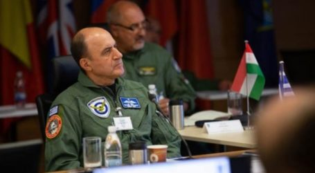 Ο Ελασσονίτης αρχηγός ΓΕΑ Γεώργιος Μπλιούμης σε συμπόσιο αρχηγών αεροποριών του ΝΑΤΟ