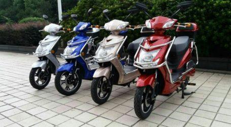 Θα απαιτείται δίπλωμα οδήγησης για τα ηλεκτρικά μοτοποδήλατα – Η διαφορά με τα ηλεκτρικά ποδήλατα