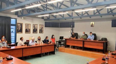 Ευρεία σύσκεψη με κυβερνητικό κλιμάκιο στον Αλμυρό [εικόνες]