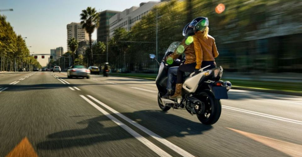 scooter action960