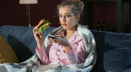 Το φαγητό αργά «φρενάρει» την απώλεια βάρους