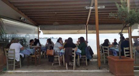 Γεμάτα τα εστιατόρια σε Αγριά και Πήλιο – Χάρηκαν την καλοκαιρινή μέρα οι Βολιώτες [εικόνες]