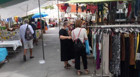 Βόλος: Λιγοστός κόσμος και με μάσκες στη λαϊκή αγορά [εικόνες]