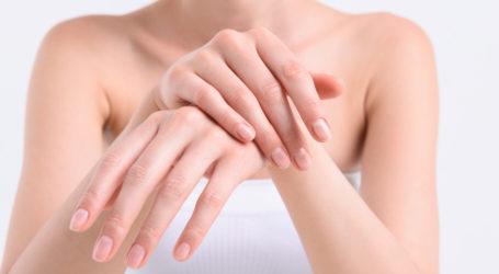 Χέρια: Τέσσερα συμπτώματα που «μαρτυρούν» την ηλικία και την κατάσταση της υγείας μας