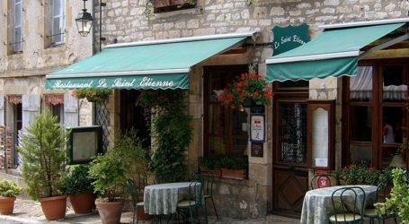 Ιδιοκτήτες εστιατορίων διαμαρτύρονται στο Παρίσι λόγω του κορωνοϊού
