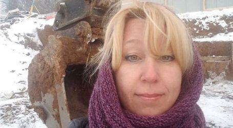 Σοκαριστικό βίντεο: Ρωσίδα δημοσιογράφος αυτοπυρπολείται
