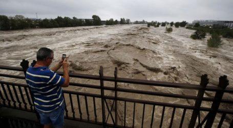 Εννέα άνθρωποι αγνοούνται μετά τις καταρρακτώδεις βροχές στη Γαλλία