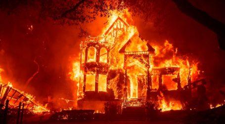 Δεκάδες σπίτια καταστράφηκαν όταν πυρκαγιά σάρωσε χωριό
