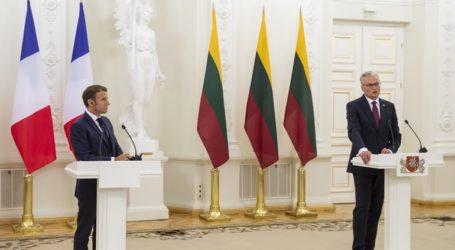 Σε καραντίνα προληπτικά ο Λιθουανός ΥΠΕΞ μετά την επίσκεψη Μακρόν