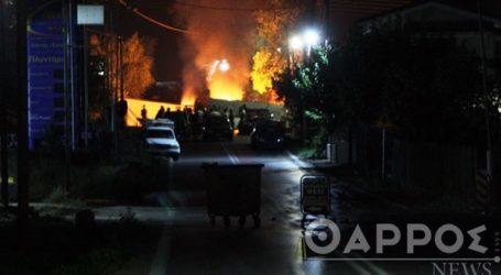 Οδοφράγματα και φωτιές από Ρομά για τον θάνατο 18χρονου