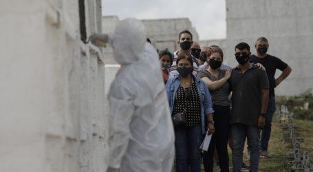 819 νέοι θάνατοι και 41.906 νέα κρούσματα στη Βραζιλία