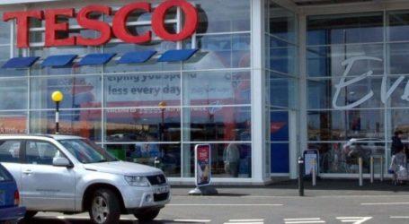 Tesco: Υποχώρησαν 15,6% τα κέρδη