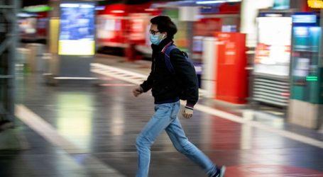 Η Πολωνία καθιστά από το Σάββατο υποχρεωτική τη χρήση μάσκας σε εξωτερικούς χώρους