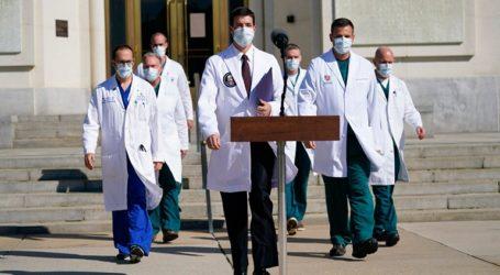 Ο πρόεδρος Τραμπ δεν είναι πλέον μεταδοτικός δηλώνει ο γιατρός του