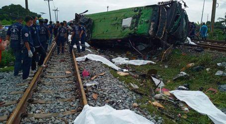 Ταϊλάνδη: Τουλάχιστον 17 νεκροί από σύγκρουση λεωφορείου