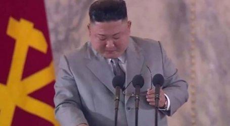 Tα δάκρυα του Κιμ Γιονγκ Ουν και η σπάνια συγγνώμη στον λαό της Βόρειας Κορέας