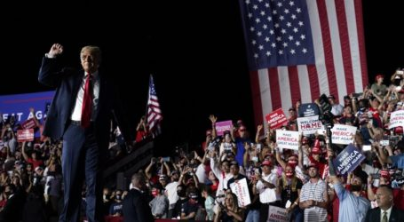 Προεκλογική συγκέντρωση Τραμπ στη Φλόριντα