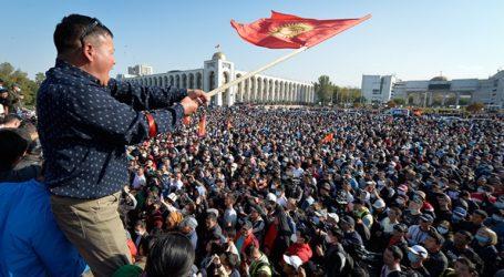 Κιργιστάν: Παραιτήθηκε ο πρόεδρος Ζεενμπέκοφ