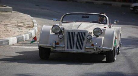 Ιδιοκτήτης εκθεσιακού αυτοκινήτου στη Δυτική Όχθη