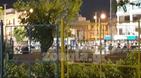 Πάρτι συνωστισμού σε γήπεδο στο Περιστέρι