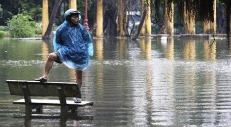 Τουλάχιστον 93 νεκροί και 30 αγνοούμενοι αυτόν τον μήνα από πλημμύρες