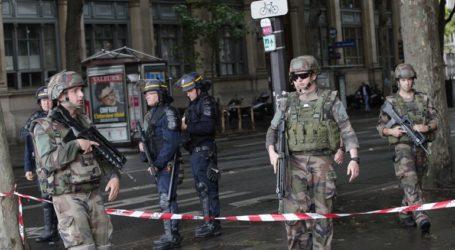 Συλλήψεις και προσαγωγές μαθητών για τον αποκεφαλισμό καθηγητή από τζιχαντιστή στο Παρίσι