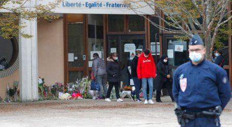Έρευνα για τον βουλευτή που δικαιολόγησε τον αποκεφαλισμό του Γάλλου καθηγητή