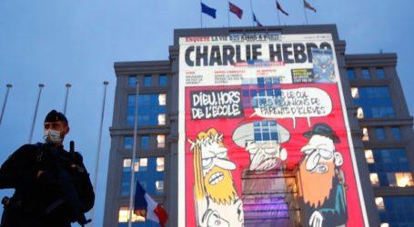 Σκίτσα του Charlie Hebdo θα φωτίζουν κυβερνητικά κτήρια στη Γαλλία