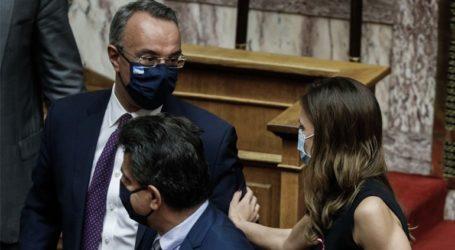 Σε εξέλιξη η ψηφοφορία επί της πρότασης δυσπιστίας του ΣΥΡΙΖΑ κατά του Χρ. Σταϊκούρα