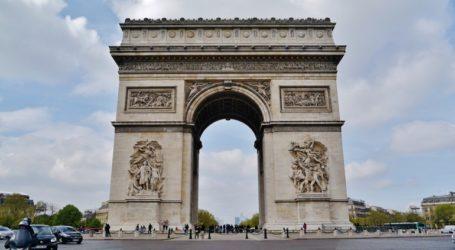 Εκκενώθηκε η περιοχή της Αψίδας του Θριάμβου στο Παρίσι έπειτα από προειδοποίηση για βόμβα