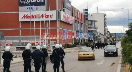 Πάτρα: Επιτέθηκαν σε όχημα με ελληνικές σημαίες