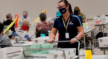 Οι Δημοκρατικοί ανησυχούν για καθυστερήσεις στη διανομή των επιστολικών ψήφων