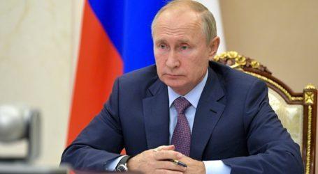 Συλληπητήρια Πούτιν σε Μακρόν για τις τρομοκρατικές επιθέσεις