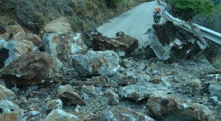 Κατολισθήσεις στην Ικαρία μετά τα 6,7 Ρίχτερ του σεισμού στη Σάμο