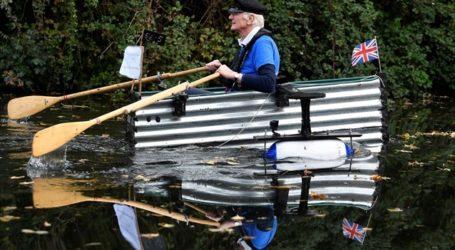 Ο 80χρονος βετεράνος «Μajor Mick» κωπηλατεί με τον «Τιτανικό» του