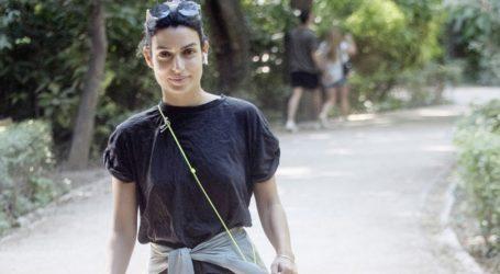 Τόνια Σωτηροπούλου: Βόλτα στο κέντρο της πόλης με casual look