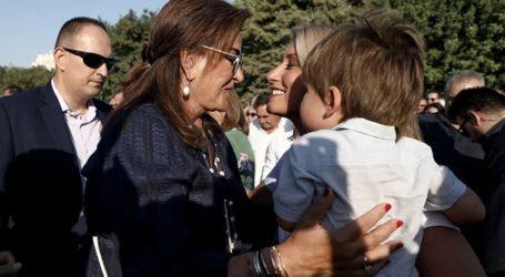 Η Ντόρα Μπακογιάννη αποκαλύπτει πώς είναι η Σία Κοσιώνη ως μητέρα