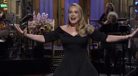 Η Adele στο Saturday Night Live – Η νέα της εντυπωσιακή εμφάνιση και το χιούμορ για την απώλεια των κιλών