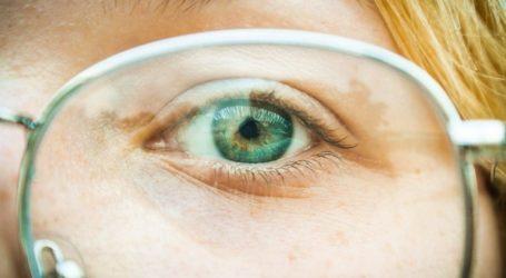 Πως θα εξαφανίσεις τις γρατσουνιές από τα γυαλιά σου με απλές κινήσεις