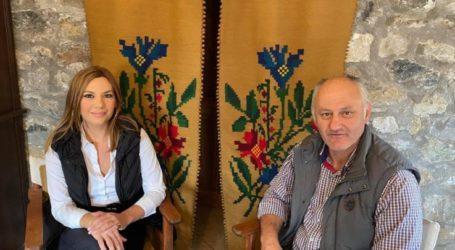 Στέλλα Μπίζιου από Σαμαρίνα: Η Ελλάδα θα κινηθεί σε τροχιά ανάπτυξης παρά τις καθημερινές προκλήσεις.
