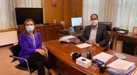 Στέλλα Μπίζιου: Το μεγάλο έργο της ηλεκτροκίνησης Λάρισας – Βόλου παίρνει σάρκα και οστά