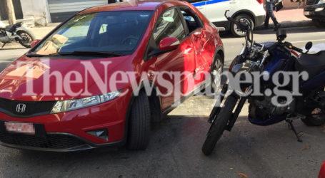 Βόλος: Τροχαίο στην Κ. Καρτάλη – Στο νοσοκομείο ο 40χρονος μοτοσικλετιστής [εικόνες]