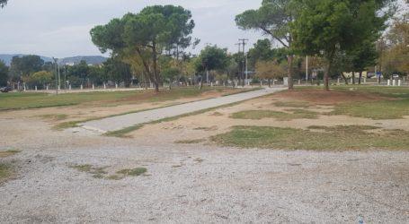 Βόλος: Εικόνα εγκατάλειψης στην Πλατεία Ρήγα Φεραίου [εικόνες]