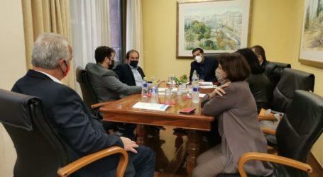 Τσίπρας στο Επιμελητήριο Λάρισας: Να στηριχθούν οι επιχειρήσεις όπως και στην υπόλοιπη Ευρώπη