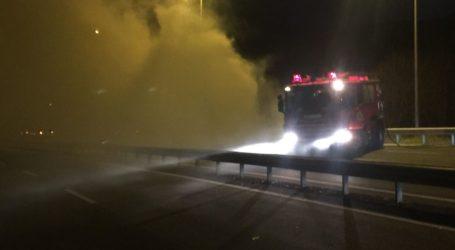 Φωτιά σε φορτηγό εν κινήσει στην Παλαιά Εθνικό Οδό Λάρισας – Βόλου