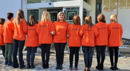 Με ένα βίντεο τιμά την Ημέρα μνήμης και ευαισθητοποίησης κατά της Βίας των Γυναικών το κοινωνικό δίκτυο Λάρισας #Κανείς_Μόνος