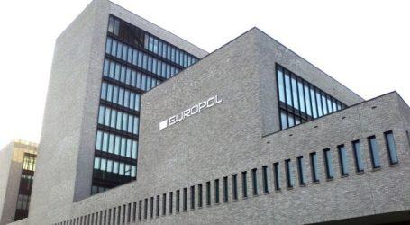 Η Europol πραγματοποίησε συντονισμένες επιδρομές σε επτά χώρες με στόχο τη ρητορική μίσους στο Ίντερνετ