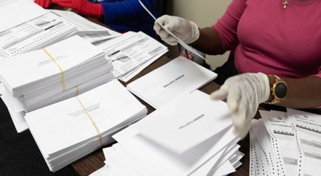 Πάνω από 100 εκατομμύρια Αμερικανοί ψήφισαν εκ των προτέρων στις εκλογές