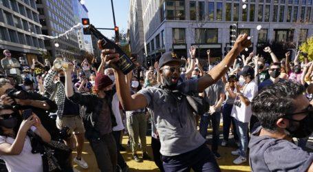 Χιλιάδες Αμερικανοί στους δρόμους γιορτάζουν τη νίκη του Μπάιντεν