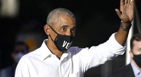 Ο Μπαράκ Ομπάμα χαιρέτισε την «ιστορική» νίκη του Τζο Μπάιντεν